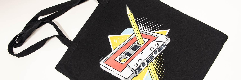 Torba z nadrukiem kasety magnetofonowej i ołówka