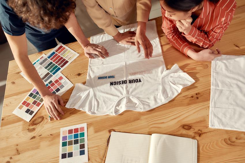Projektowanie nadruków na koszulki Warszawa